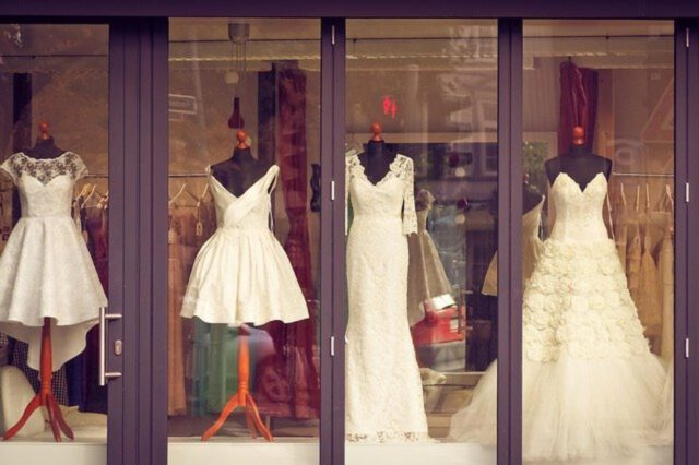 Ubiór weselny – sukienki na wesele