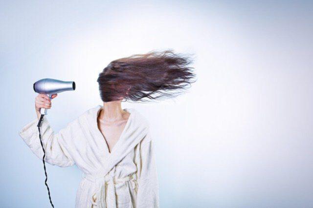 Pielęgnacja długich włosów – zabiegi kosmetyczne i odpowiednia dieta
