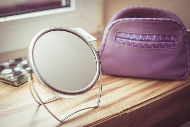Skompletuj swoją kosmetyczkę – jakie kosmetyki musisz mieć?